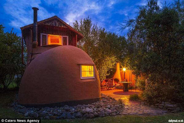 It feels like live in a shoe when you stay at The Booth Guest House, Tasman, New Zealand! http://t.co/hI1UPOobmT http://t.co/5IRG4JecCK