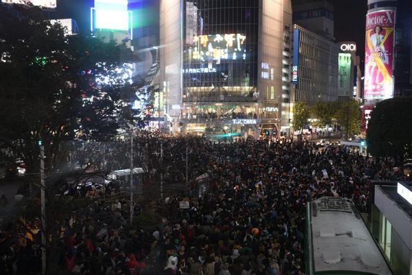 【画像】 現在の渋谷の様子がヤバイ ハロウィンのコスプレしたリア充達で溢れかえる