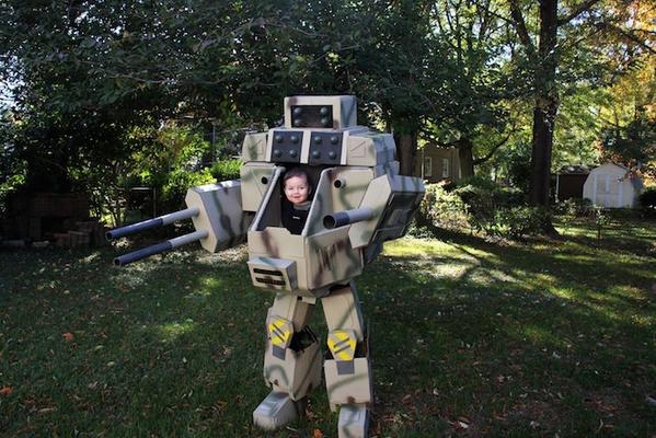 This father and son mech costume wins Halloween http://t.co/4qKT8LzzU2 http://t.co/5mgTo6wJJW