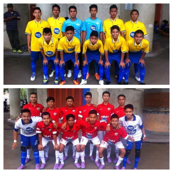 Sesaat lagi di http://t.co/VM6fjKfPRr akan bertanding SMA 7 Bandar Lampung VS SMA Kesatuan 1 Samarinda #PocariFutsal http://t.co/p2AM0DSr2d