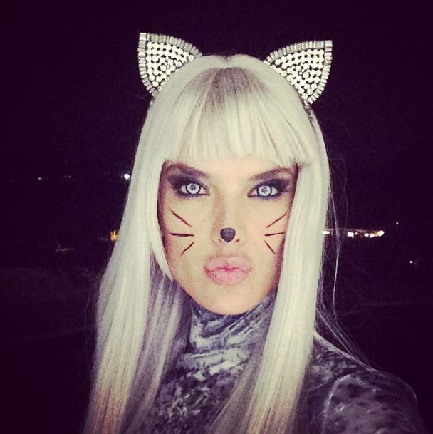 It's Halloween 👻👻👻 http://t.co/1lbonE4bmY