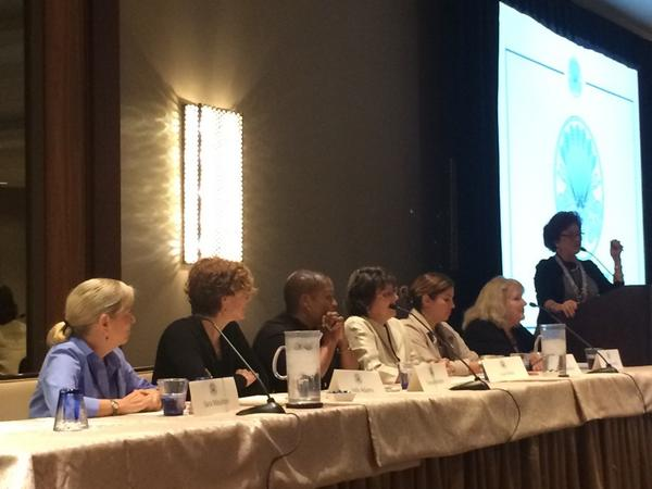 @tanyaholland @saramoulton and other dazzling Women in White on the panel at #LDEI2014 http://t.co/RnRc5xwjqu