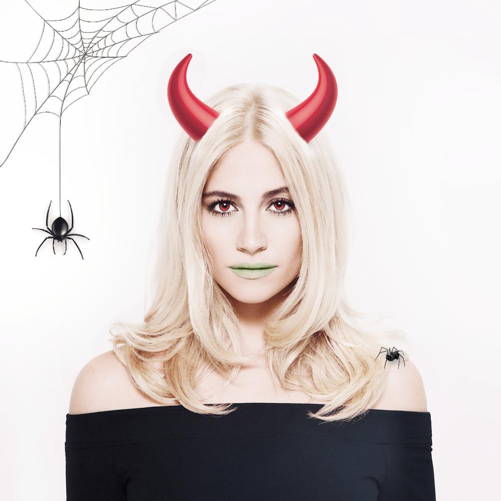 Happy Halloween, you little devils! 👹👻 x http://t.co/GufXAAN1Sy