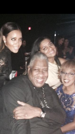 RT @ninawc: Love all around❤️@GayleKing @AngelaSimmons #blackball http://t.co/fdvnDqUmWi