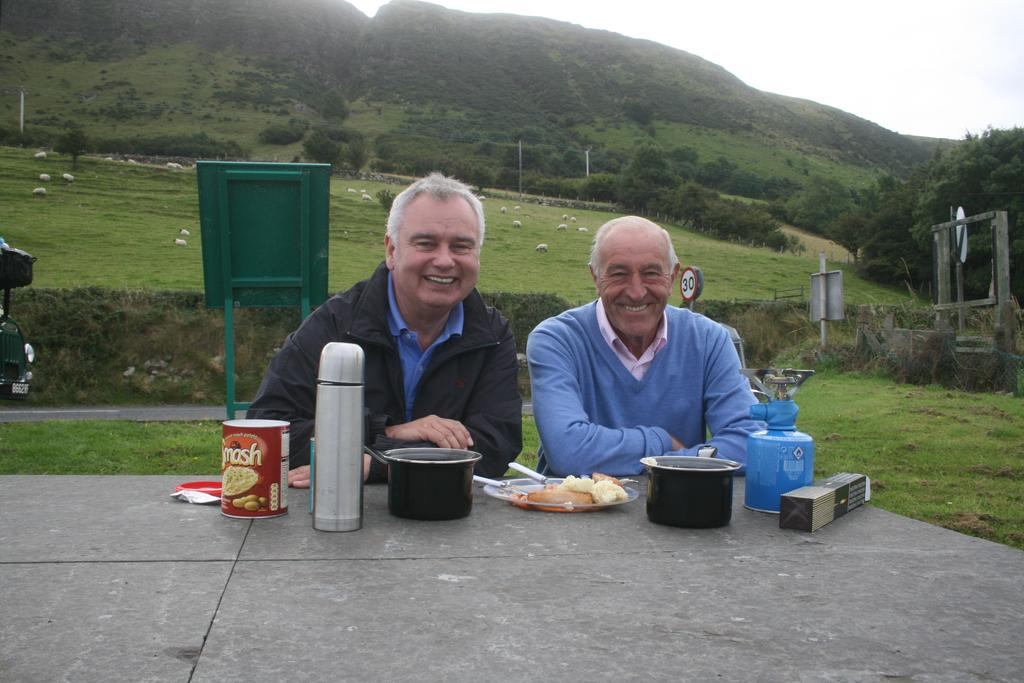Len and Me having lunch. Here's what else we get up to at 3.45 today on @BBCOne http://t.co/jN6oah6LQ6 http://t.co/x0Ma1UhFge