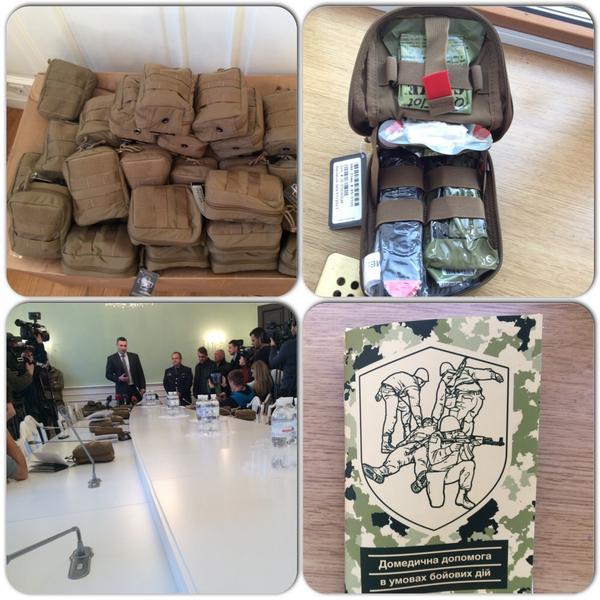 Братья Кличко передали две тысячи аптечек экстренной помощи в зону АТО - Цензор.НЕТ 420