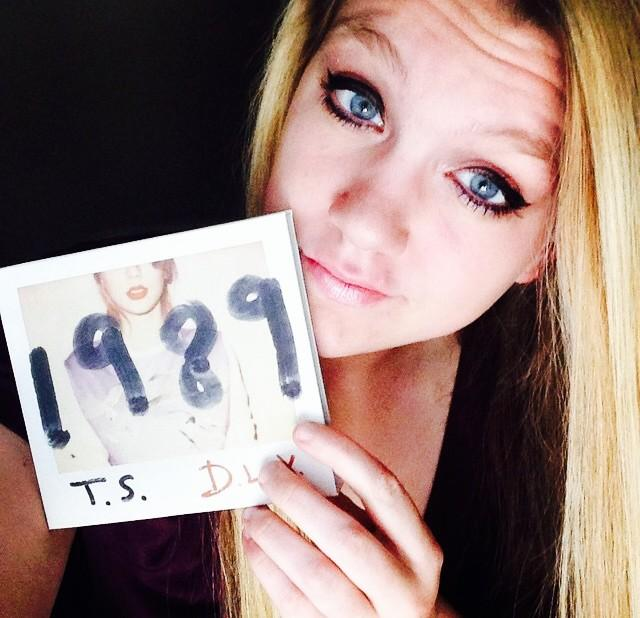 Makes you want to run and hide Then it makes you turn right back around<3 #TS1989  #taylurking http://t.co/EBEbqxwzNe