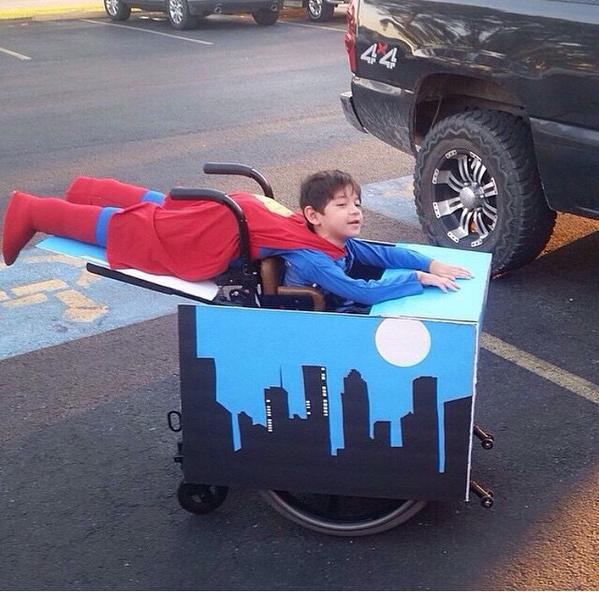LOVE!!! RT @ferretthimself: Costume of the year. RT @damn_jamm: his parents are so dope for this
