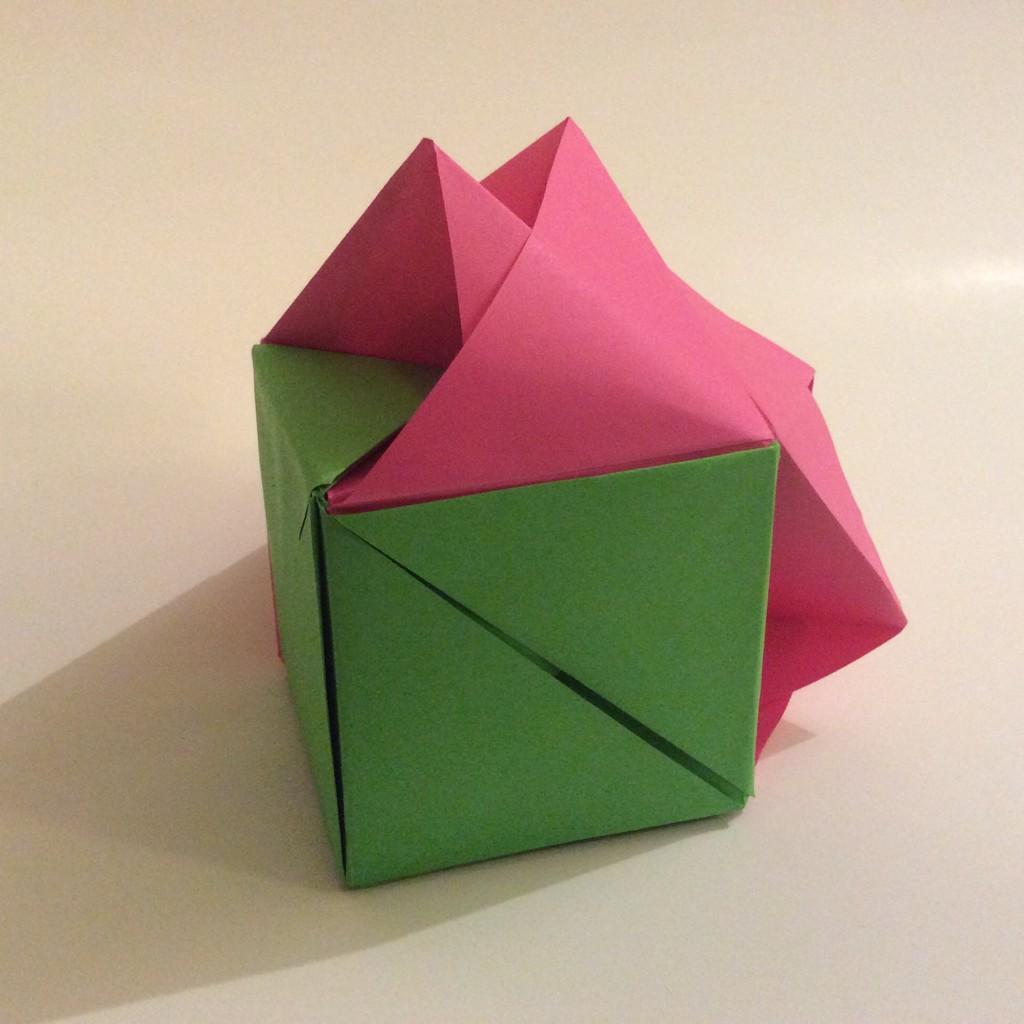 Origami Rose Cube Kusudama by Yakomoga IN ENGLISH - Yakomoga Easy ... | 1024x1024