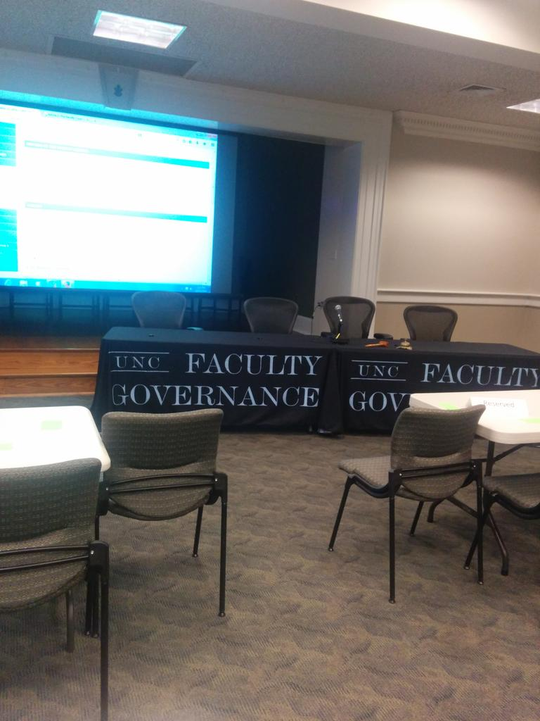 Set up for @UNC #FacCouncil meeting on #Wainstein on #academicscandal http://t.co/viDGqwBuMi