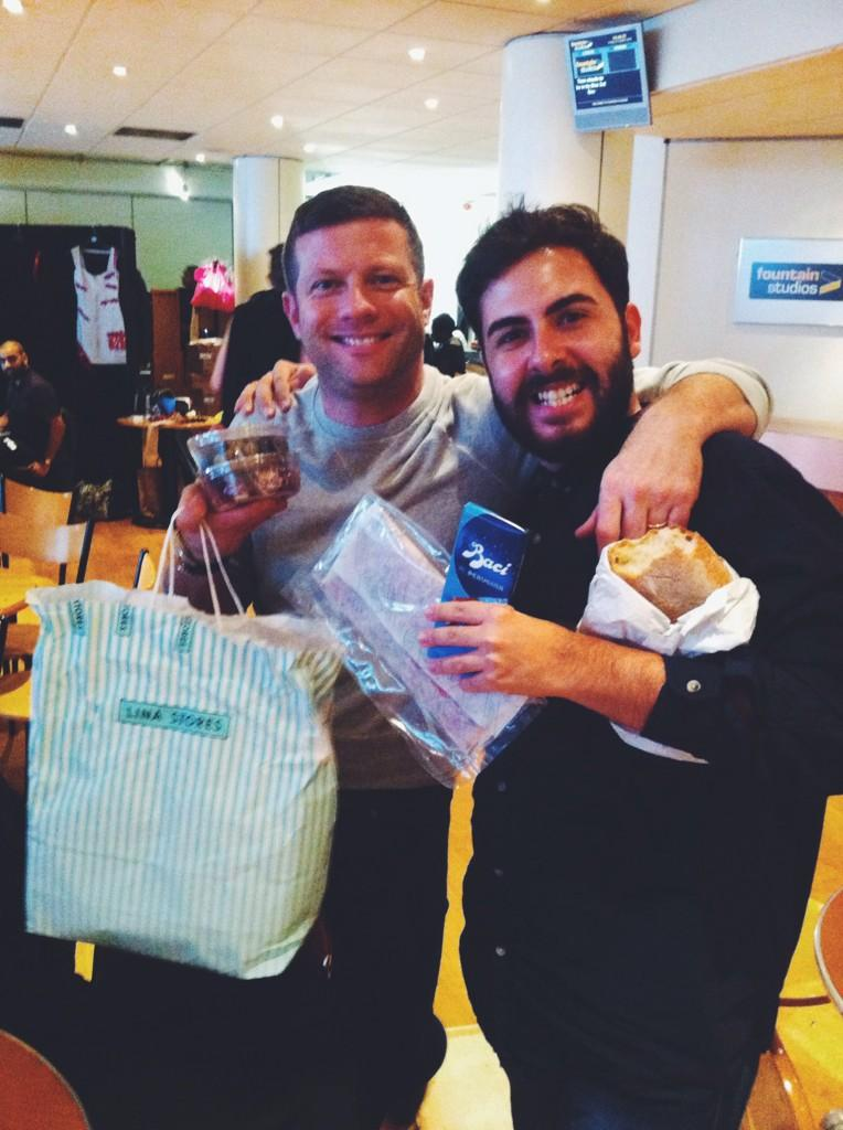 RT @AndreaFaustini1: How cute is @radioleary who brought to me proper Italian food from @linastores ❓ #WeLoveDermot #AndWeLoveLina http://t…
