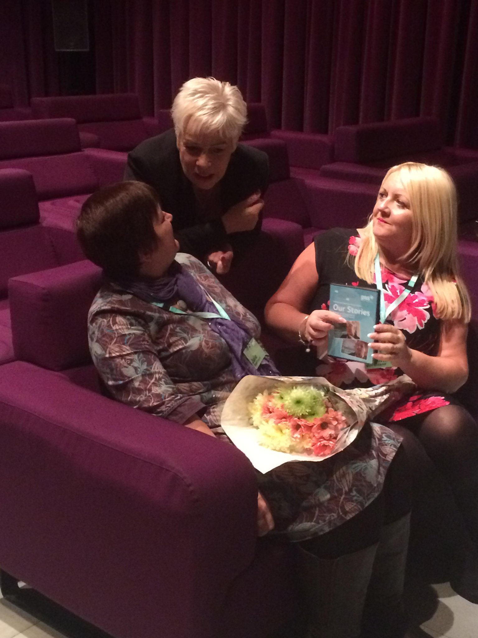 RT @paulinemc2: Deep in conversation @realdenisewelch yesterday and what a fab productive connected day xxx http://t.co/cPL578FkW1