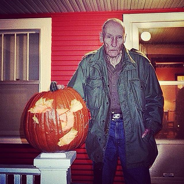 RT @rufusjones1: Happy Halloween from William Burroughs. http://t.co/c3fMUs7DP9
