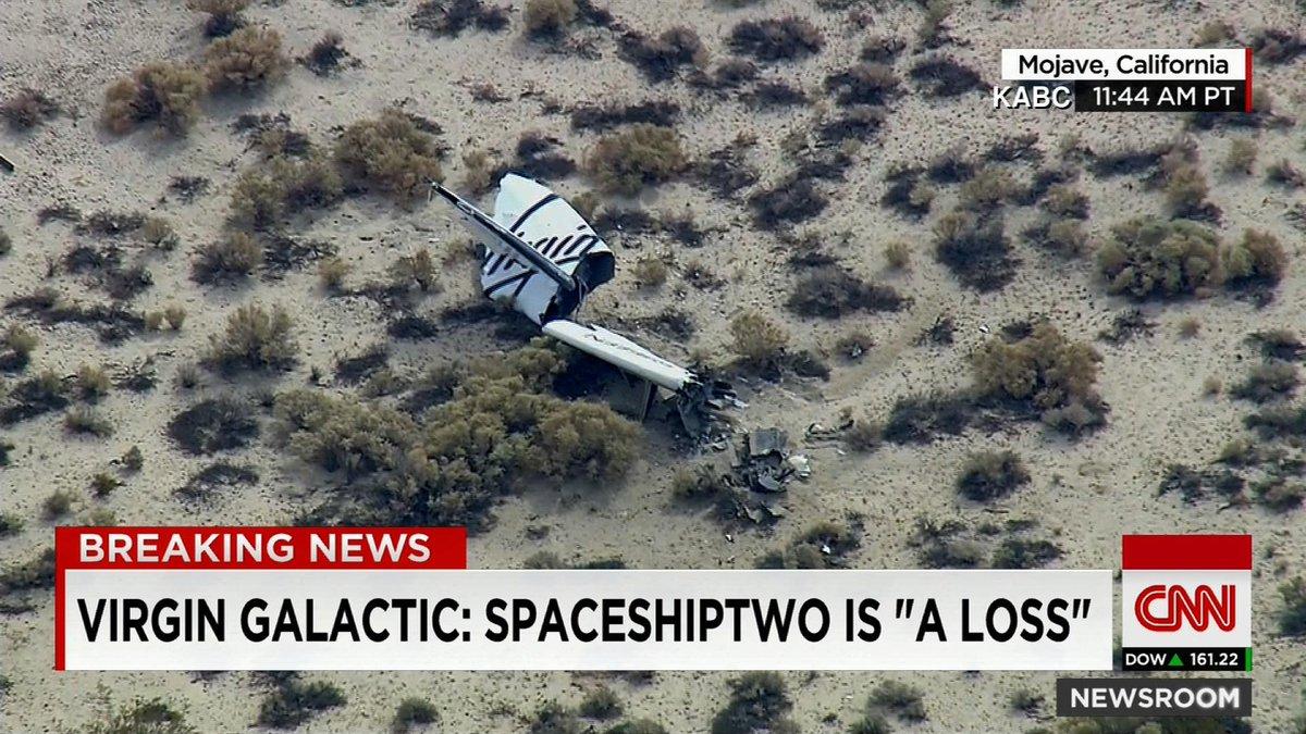 Destruction du SpaceShipTwo & enquête - 31.10.2014 B1S_LMHIQAAoa2F