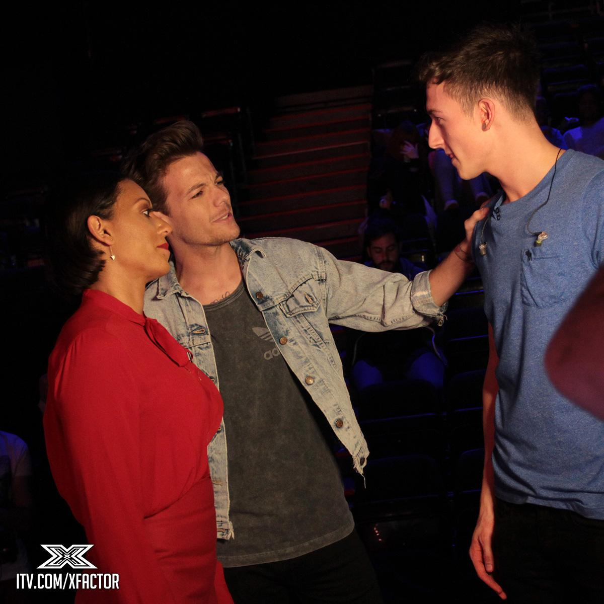 Oh look who's back with post-rehearsal advice for @jwaltonmusic... Hi @Louis_Tomlinson 👋 #XFactorFrightNight http://t.co/o8FZosrDAY