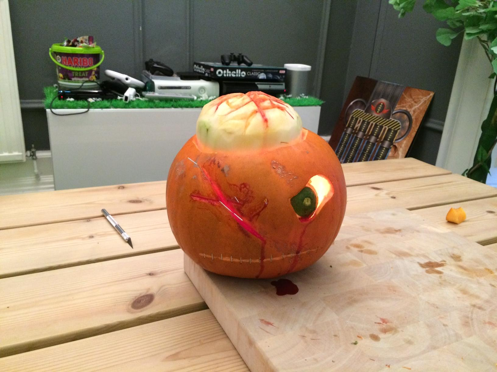 Some Chunk pumpkin carving - Happy Halloween everyone! http://t.co/3zVbwKKuzl