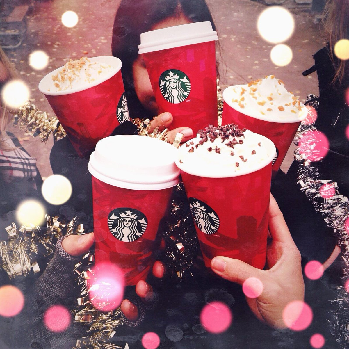 It's the most wonderful time of the year! ❄⛄ #sharejoy #redcups http://t.co/uyhHkBhPdq