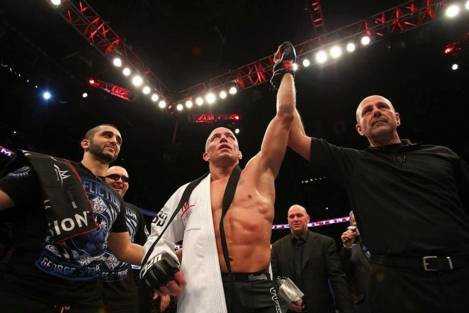 @GeorgesStPierre is teaching class November 3rd @tristargym at 545pm BJJ followed by Striking. Members Only. #signup