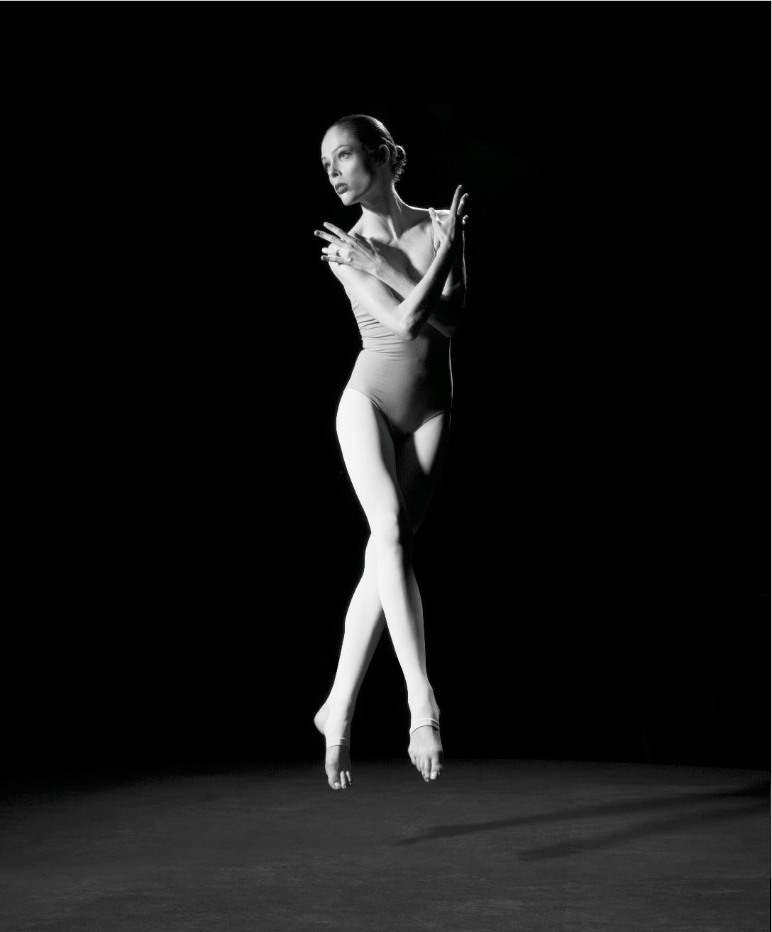 """RT @wmag: """"We wanted it to be timeless,"""" says @CocoRocha of her new book, #AStudyOfAPose. http://t.co/t6vK9FAltj http://t.co/iKH0nuP78t"""