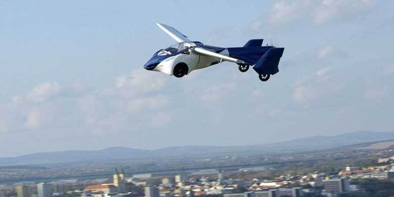 Flying Car Prototype Has Been Unveiled In Europe, Commuting To Work Just Got Much More Awesome http://t.co/xptCFLOl3T http://t.co/pupip0s0Rw