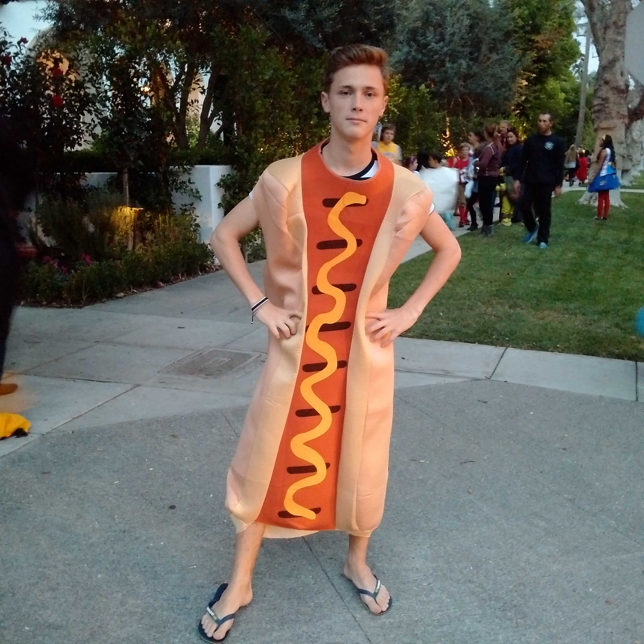 'Father, I want to be the most famous hot-dog in Hollywood.' Mission accomplished @StanleyMorgan18 . #halloween http://t.co/2InPMT4e1U