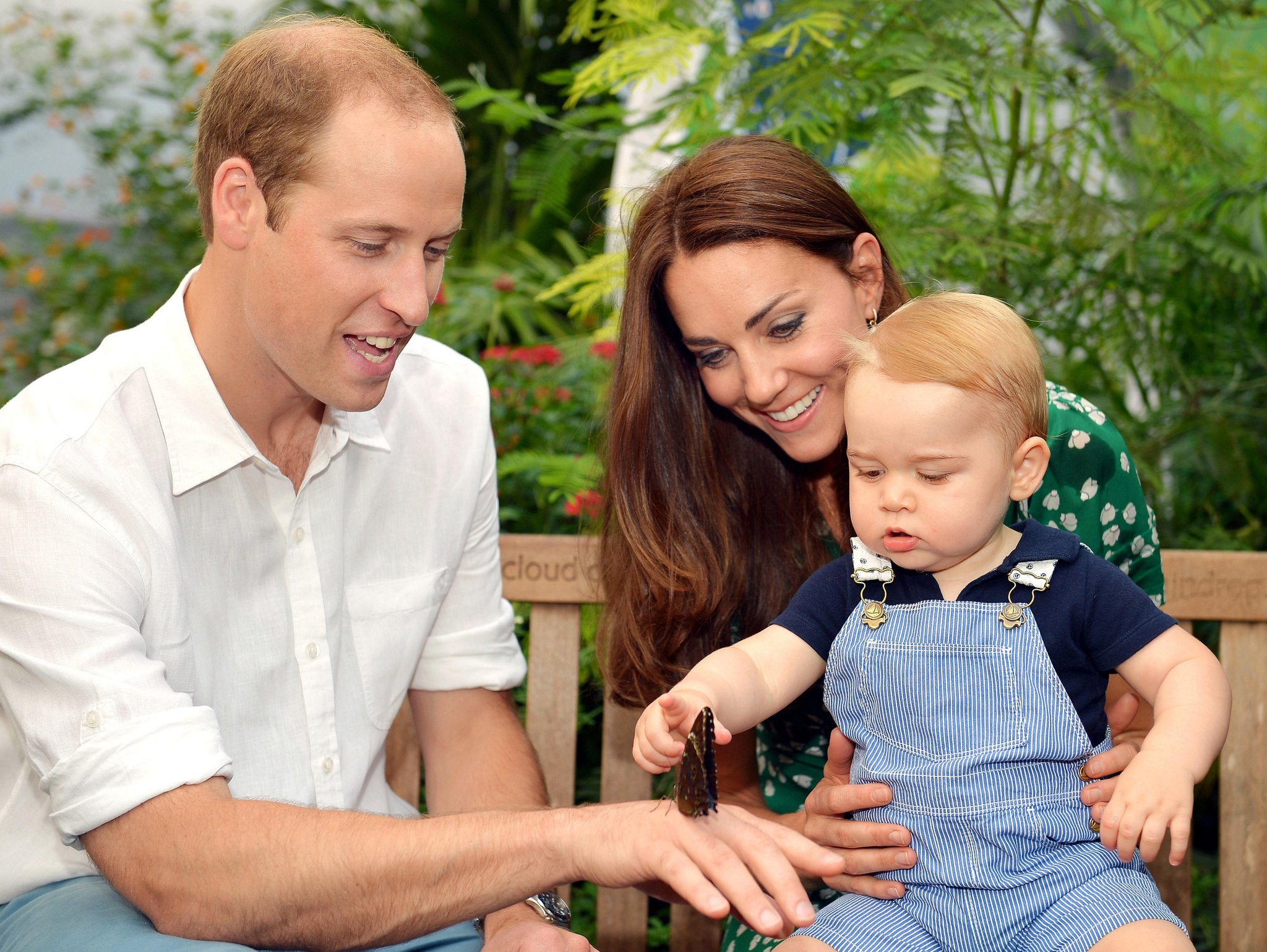 Kate and Wills take Prince George on a 'babymoon': http://t.co/WYxdma5btK http://t.co/jR6THN0dML