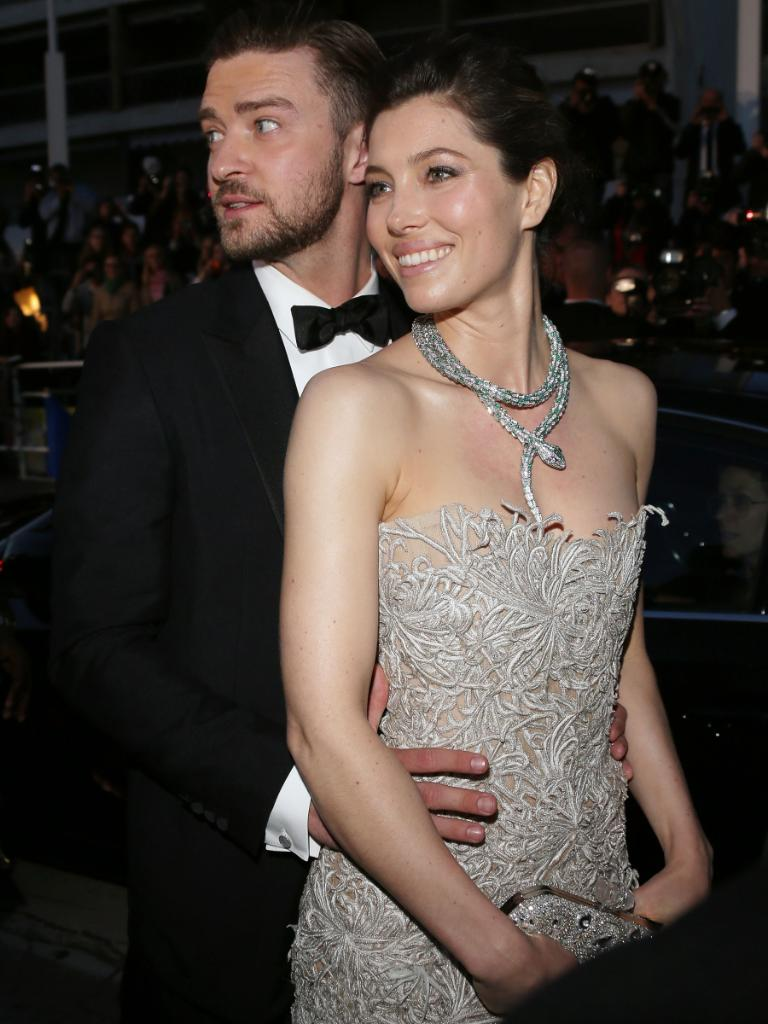 Congratulations to Jessica Biel & Justin Timberlake!! http://t.co/qlegnVWA92 http://t.co/UgAeFTw5uN