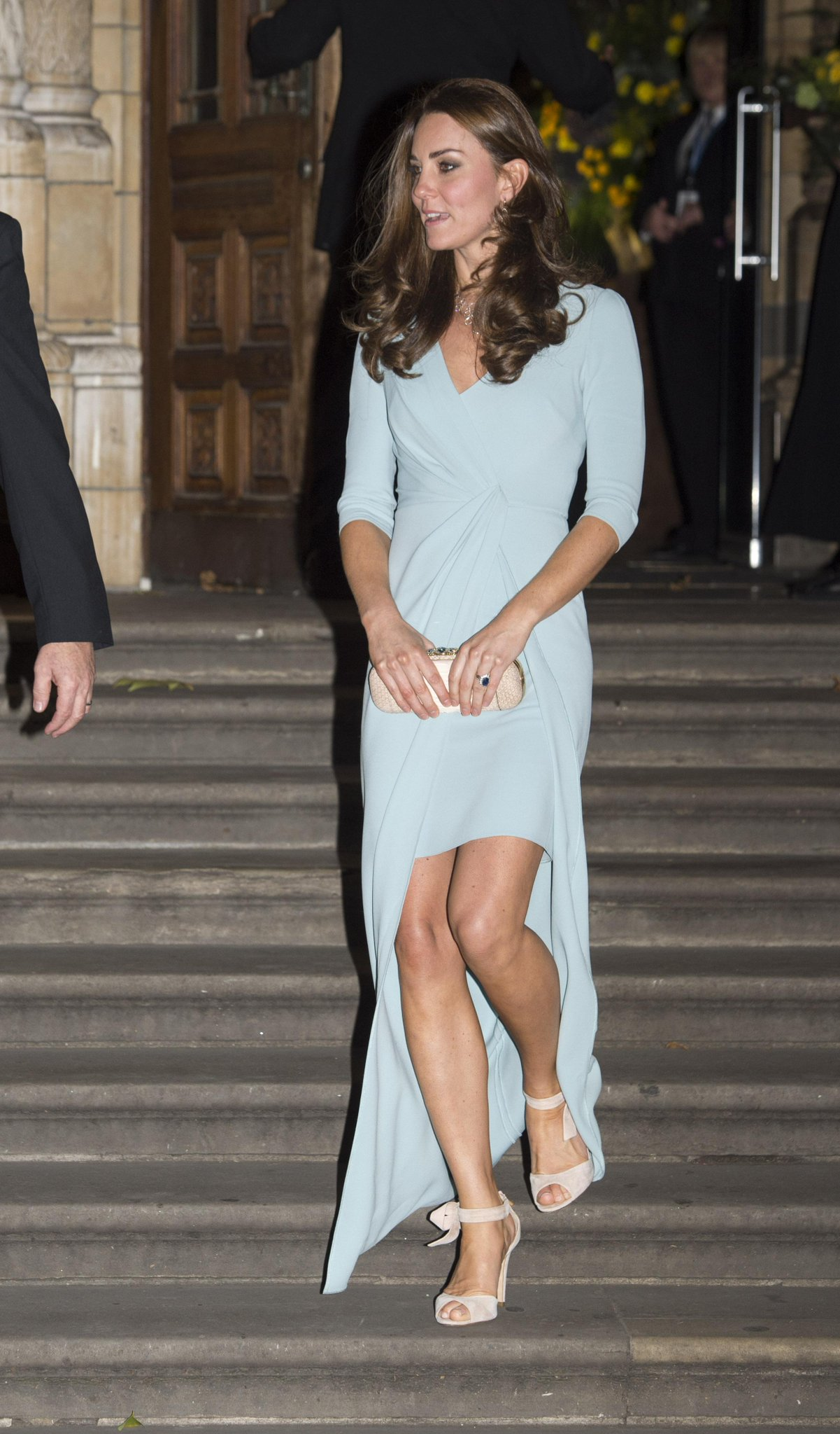 Look for less! Shop Kate Middleton's pretty pale blue maternity look: http://t.co/sp8cvudJqw http://t.co/SaOT9aQjQg