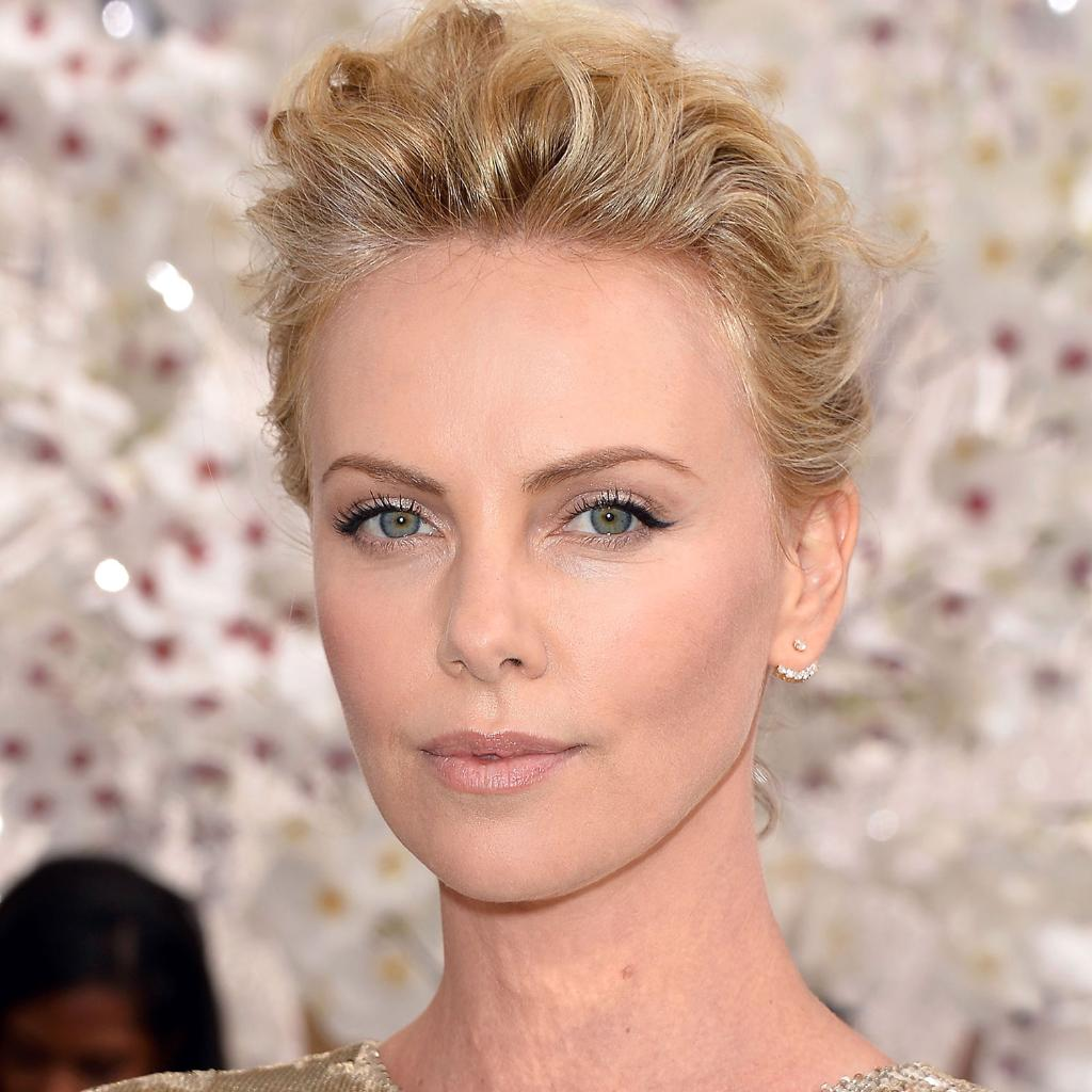 The 28 most gorgeous celebrity blondes: http://t.co/00dRxRdgP3 http://t.co/aVUKbOudYi