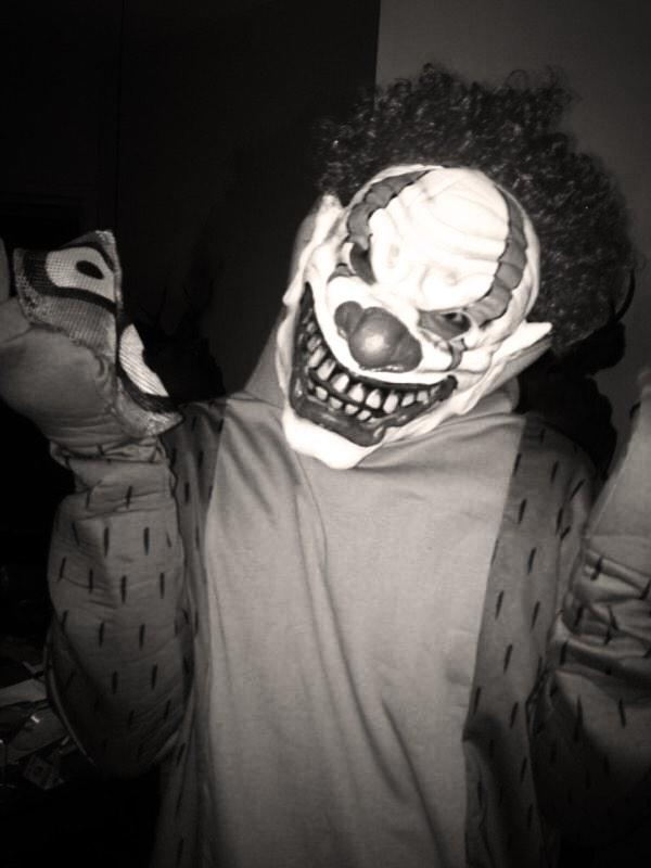 wildpipm last years halloween i was rigby the crazy clown happy halloween pictwittercomzycx9u0wsb stayhereharry dont hate me p lol