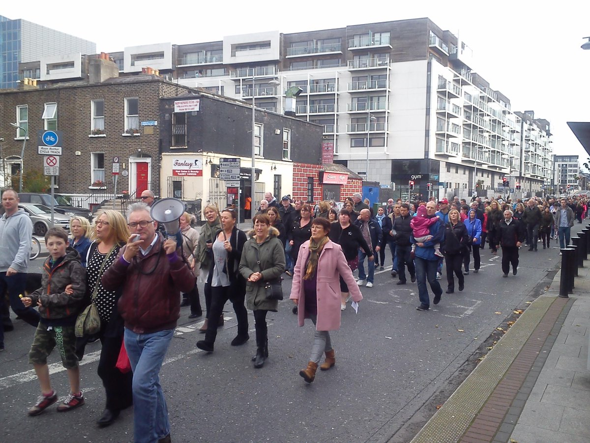 Ireland's Streets Turn to Rivers of People, 1 Million, Wiping Out New Tax on Water #IrishWater  B1W4qN1CQAA__lg