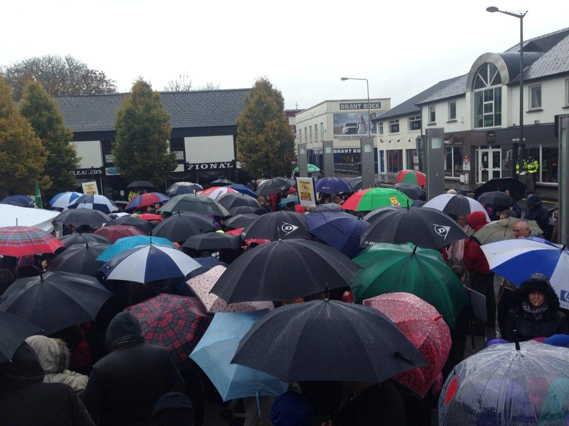 Ireland's Streets Turn to Rivers of People, 1 Million, Wiping Out New Tax on Water #IrishWater  B1W9SpxIEAADguB