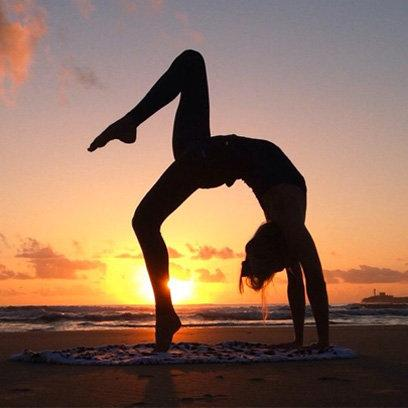 The best way to start the weekend? An early morning yoga practice of course... http://t.co/O7NKK7tjx2 http://t.co/Nz6nkxtFfU