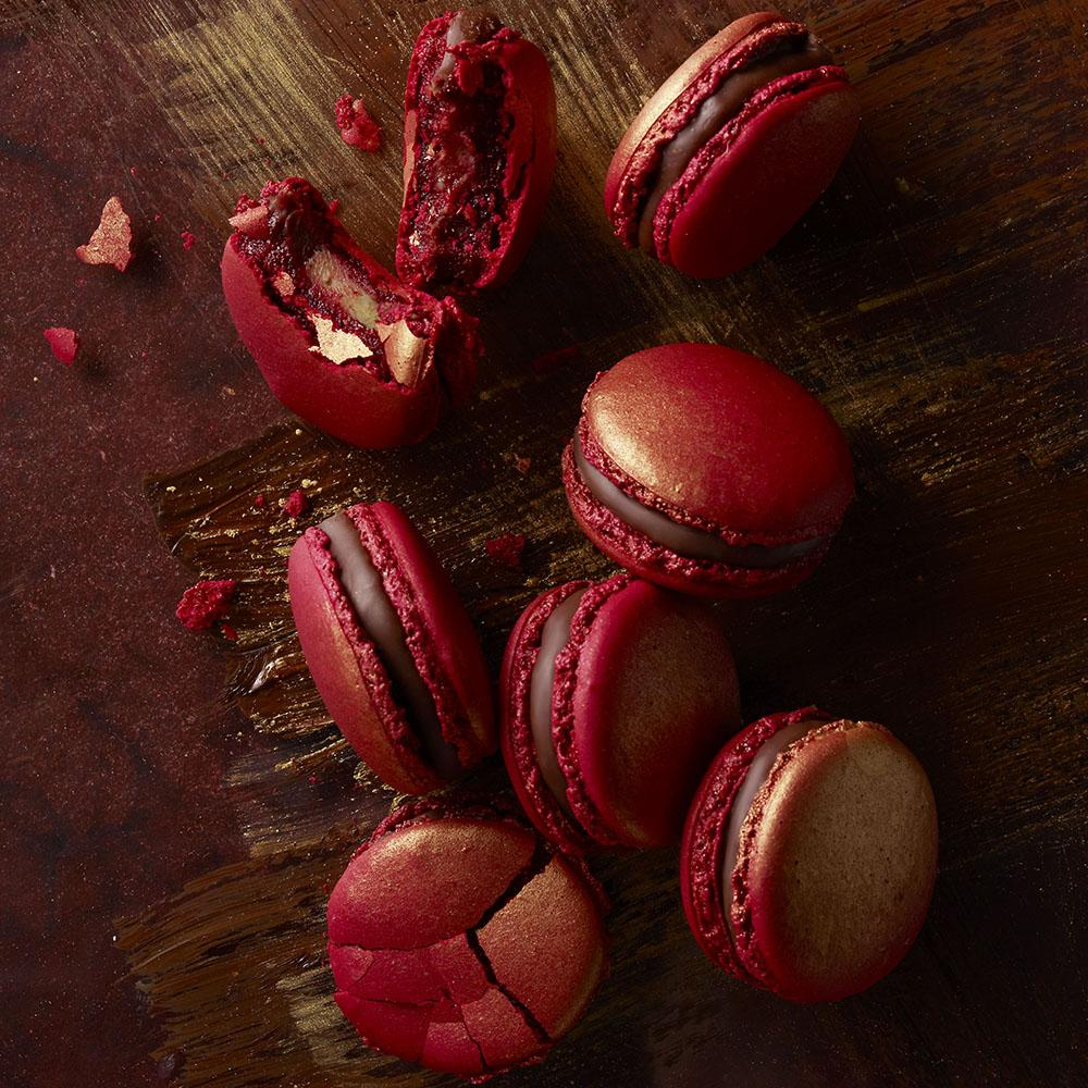 . @Pierre_HermeLDN's delectable treats are coming to Covent Garden in time for Christmas... http://t.co/uujuGtYDPu http://t.co/Pw7qQCXhSy