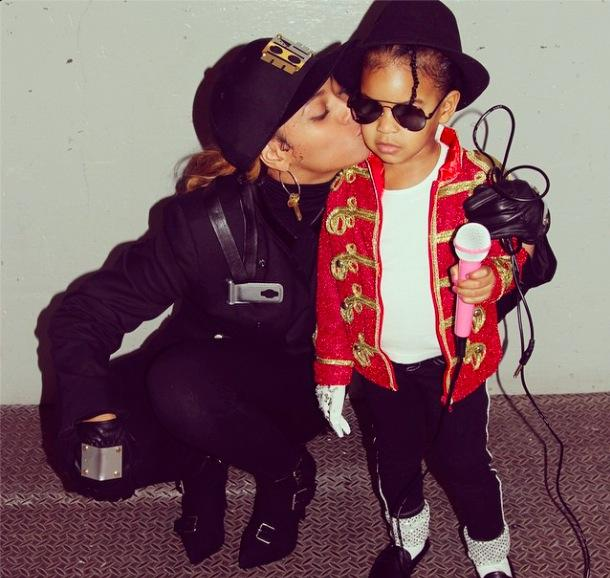 Think it's pretty safe to say Blue Ivy won at Halloween last night http://t.co/2bsyz3dXtR http://t.co/1iJClOkfAz