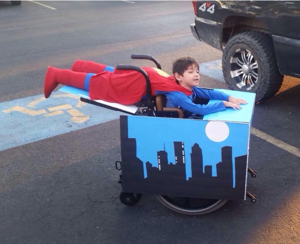 """RT @davidflatman: """"@henryfraser0: Best costume goes to this little hero! http://t.co/1n0o3DOj7k"""" YESSSSS!!!"""