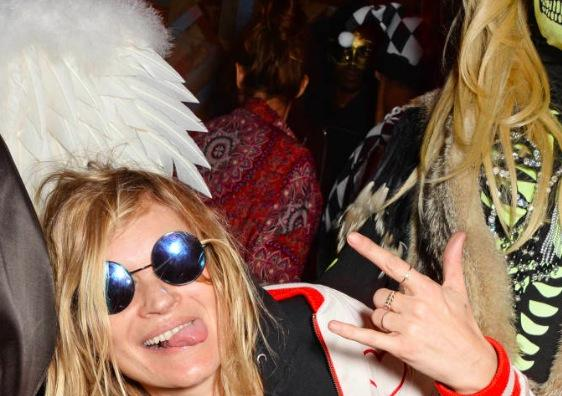 Find out which fellow model Kate Moss went dressed as this Halloween http://t.co/4nl9gRXb0D http://t.co/1Cd4PcEjeK