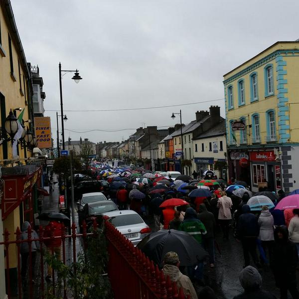 Ireland's Streets Turn to Rivers of People, 1 Million, Wiping Out New Tax on Water #IrishWater  B1XNIf6IMAA2Sjb