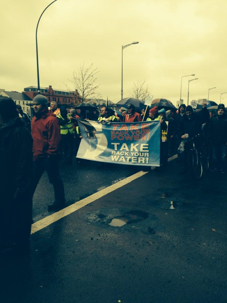 Ireland's Streets Turn to Rivers of People, 1 Million, Wiping Out New Tax on Water #IrishWater  B1XNgOVIMAEpQBQ