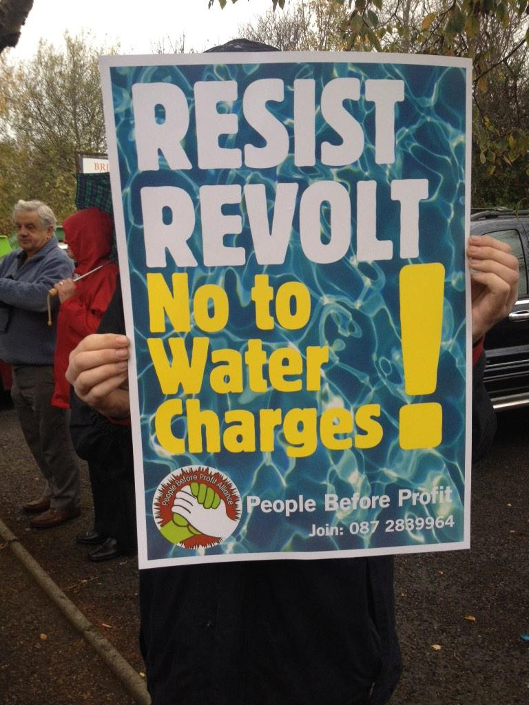 Ireland's Streets Turn to Rivers of People, 1 Million, Wiping Out New Tax on Water #IrishWater  B1XPMx6IMAAKAOt