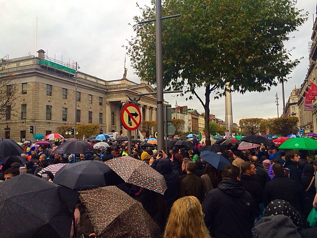 Ireland's Streets Turn to Rivers of People, 1 Million, Wiping Out New Tax on Water #IrishWater  B1XVyA1IUAA-0Bb