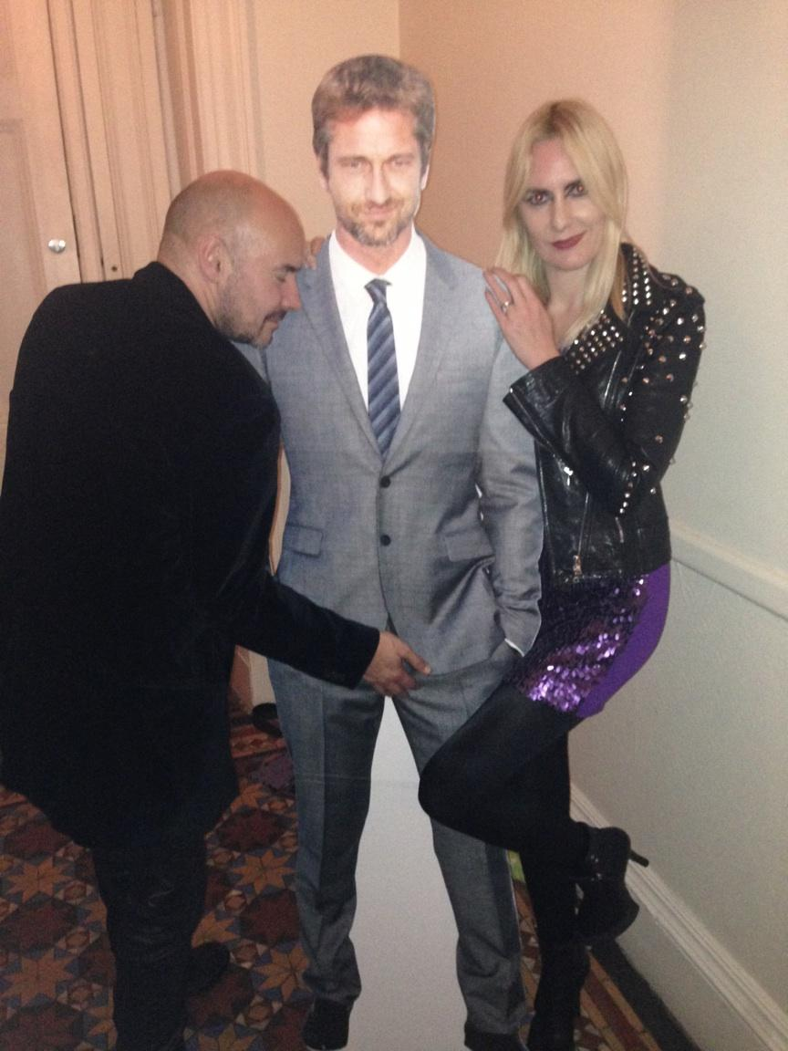 Great night out with @grantmorrison and @GerardButler. Great to have you both back home guys. http://t.co/6M3PsltjSc