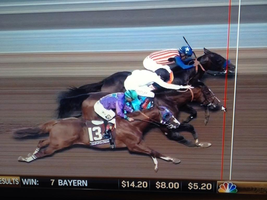 Photo finish of Breeders' Cup Classic http://t.co/dBmyfhWeAG