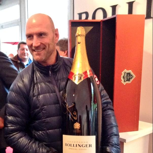 The @dallaglio8 #BollingerBigBoy could be yours, RT and follow @dallagliofdn & @BollingerUK http://t.co/1wTwDxSriC