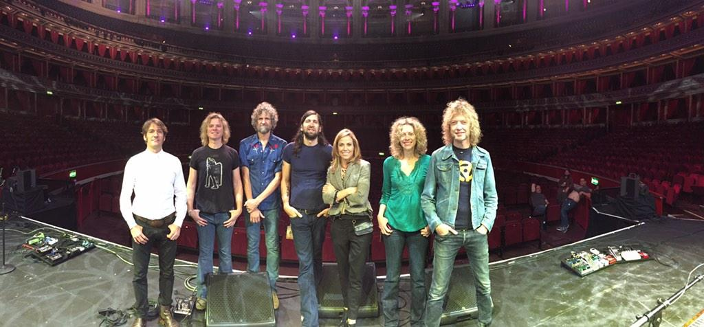 Heading to #Heathrow after a fantastic week w @SherylCrow  Thk u #Ireland and #UK! http://t.co/Kl73VGmTdS
