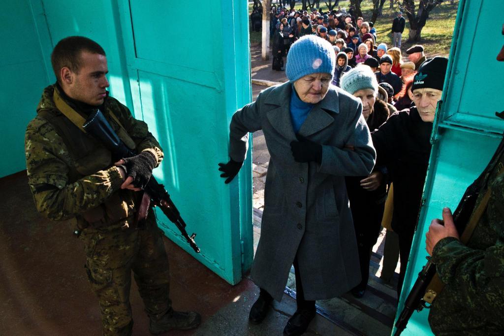 Украинские воины несут службу в усиленном режиме из-за псевдовыборов террористов, - СНБО - Цензор.НЕТ 3851