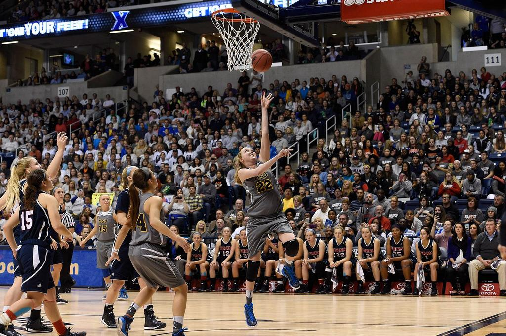 VIDEO: Watch terminally ill cancer patient Lauren Hill score in her college basketball game http://t.co/ZQjn1g8lhD http://t.co/BbOQh2nmiU
