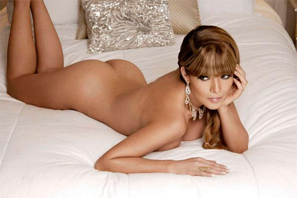 brown hair girl with glass nude