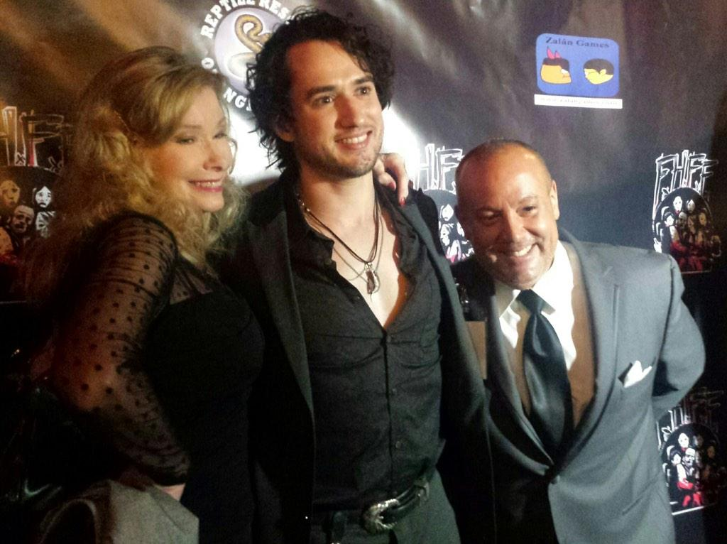 At #fhffsd with my two friends @LynnLynnlowry #joemannetti @Hollywood_Tweet @studiomatrix @SelfiesOfCelebs http://t.co/tMv4Fd6wgm