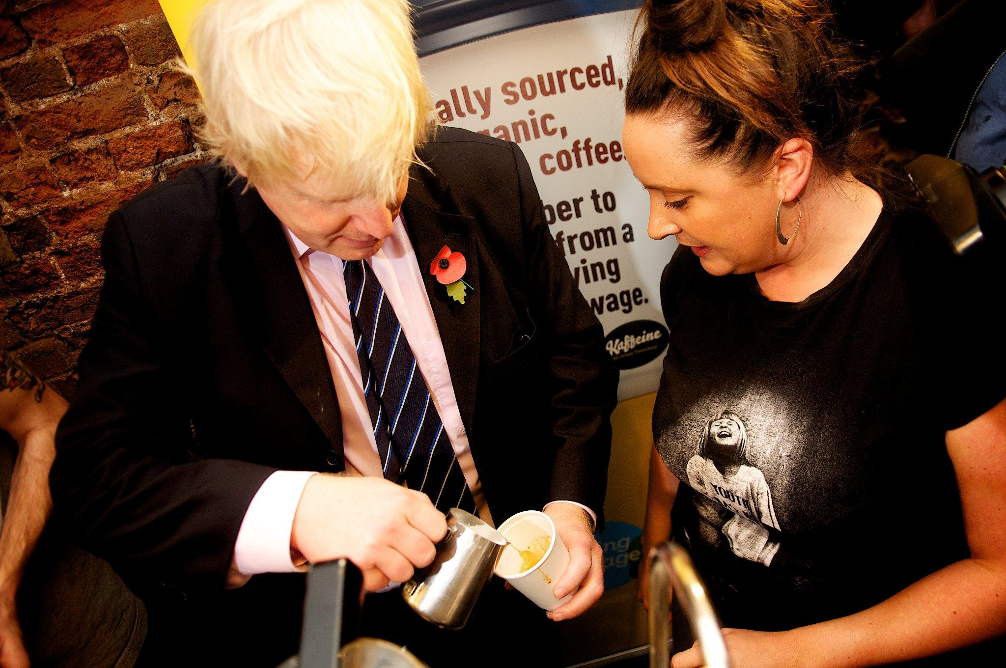 2/2 - I met the very happy staff at the fantastic @kaffeinelondon - a great small London business that pays the LLW http://t.co/UzbISvmTX3